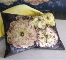 DESIGNERS GUILD - Le Poeme de Fleurs Midnight Cushion thumbnail